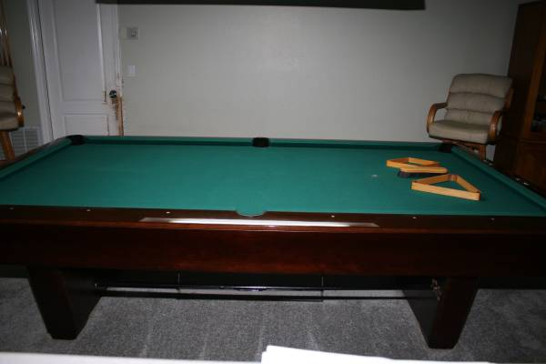 Medalist Pool Table With Ball Return 3 Piece 1in Slate In Excellent Condition All Mahogany Wood Always Privately Owned Climate Controlled Home